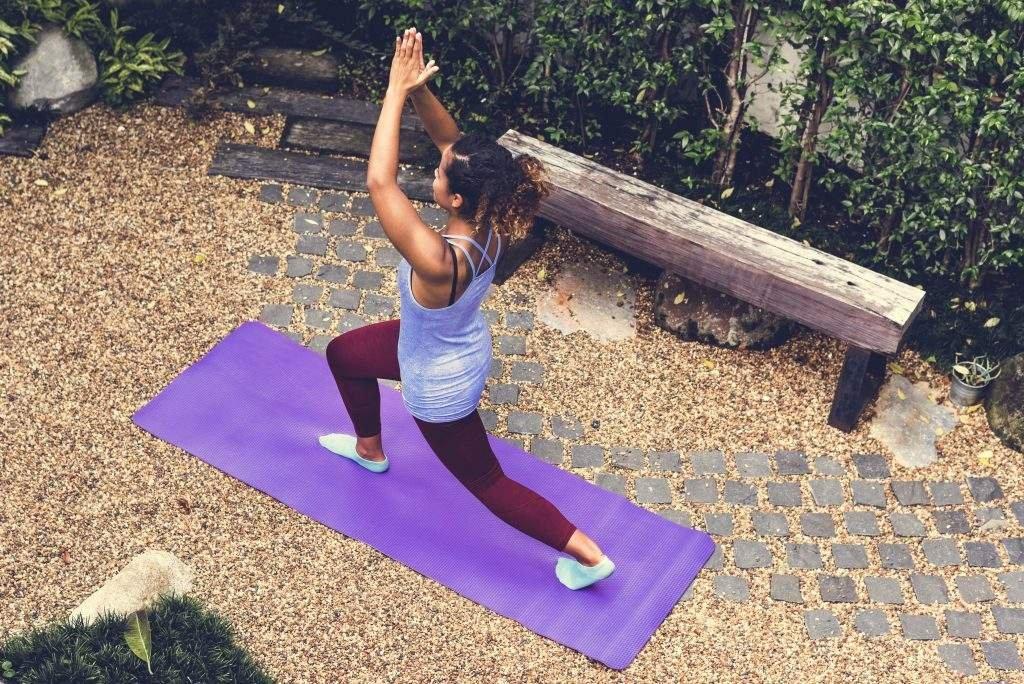 exercícios que ajudam a diminuir o inchaço