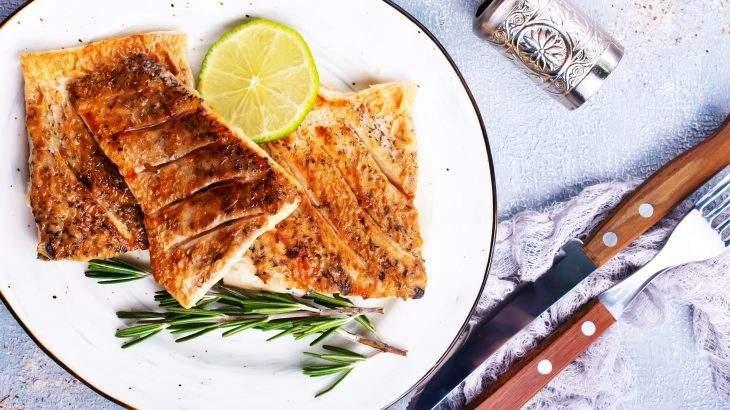 pescada com molho de limão