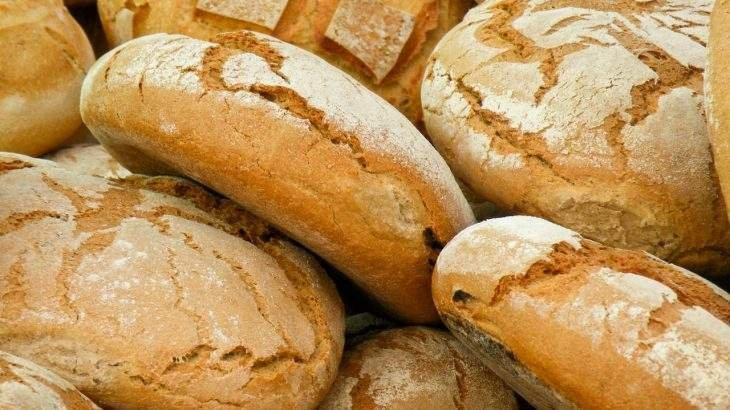 comer pão
