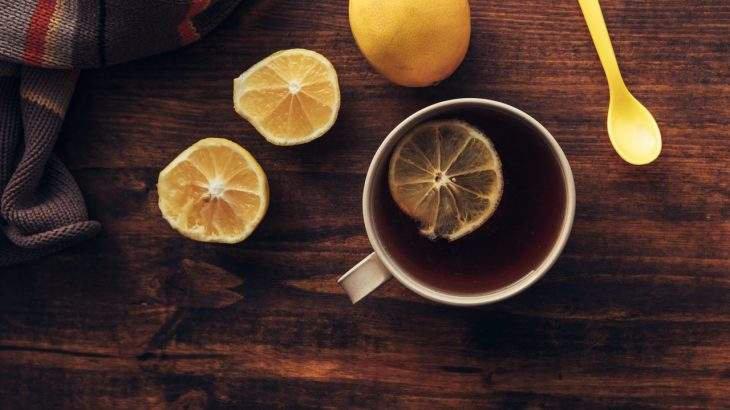 chá de hibisco com limão