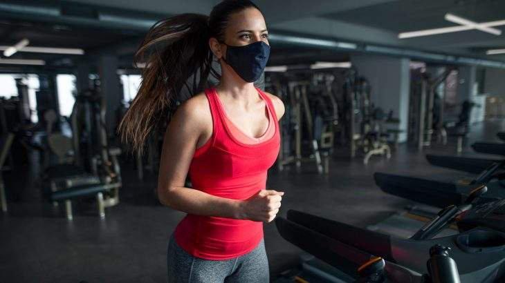treinar de máscara