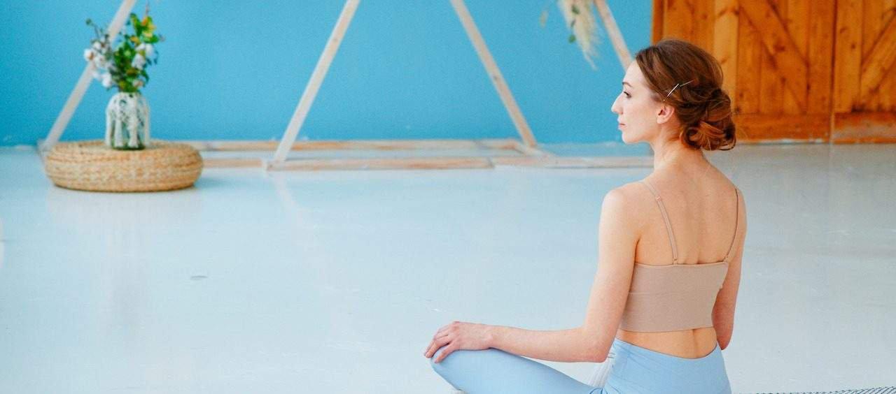 yoga para cólica