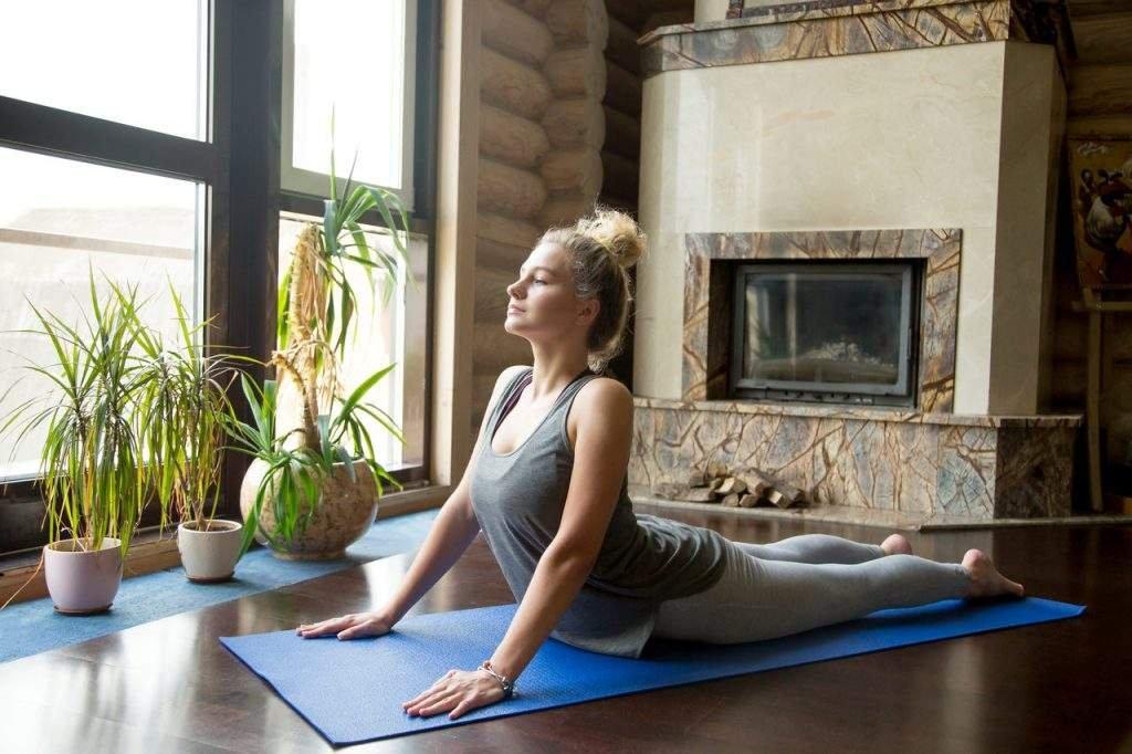 yoga para colica