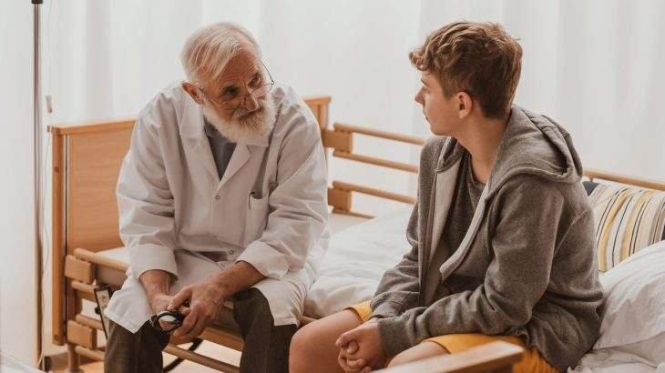 adolescentes meninos vão menos ao médico