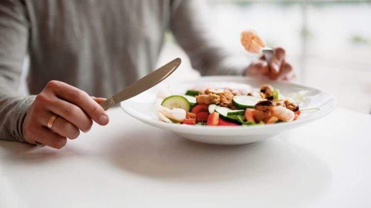 como comer menos